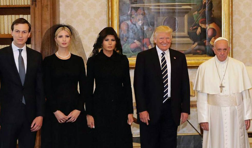 Povestea din spatele fotografiei cu Donald Trump si Papa Francisc