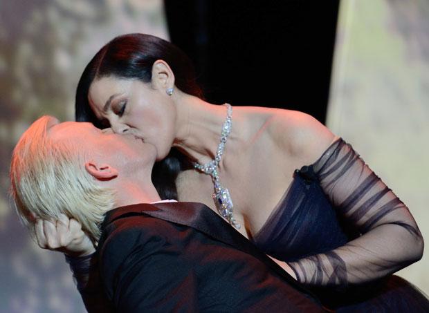 Rochia Monicai Bellucci de la deschiderea Cannes 2017