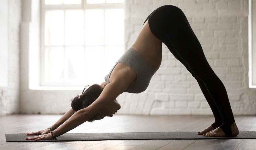 #ELLEexpert: Yoga contra durerea de cap