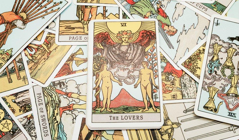 Zodiile si tarotul: ce carte ti se potriveste, in functie de semnul tau astral
