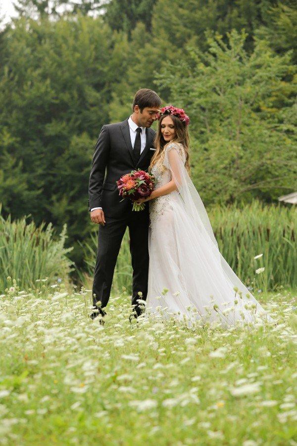 Cum au aratat vedetele la nunta lor. Imagini de colectie