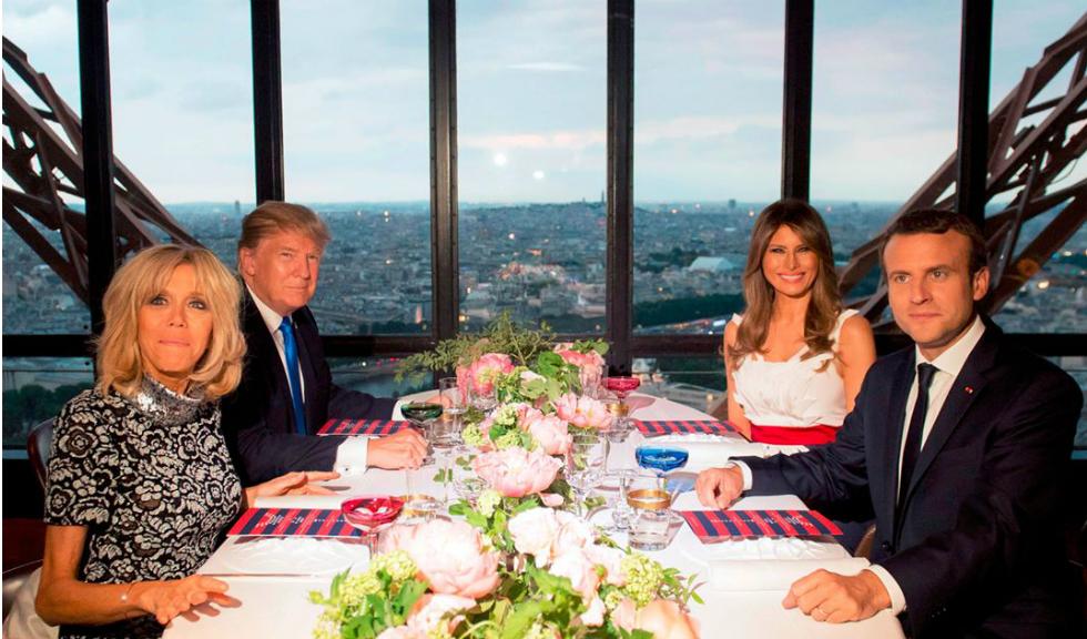 Ce au purtat Melania Trump si Brigitte Macron la cina oficiala inainte de ziua Frantei