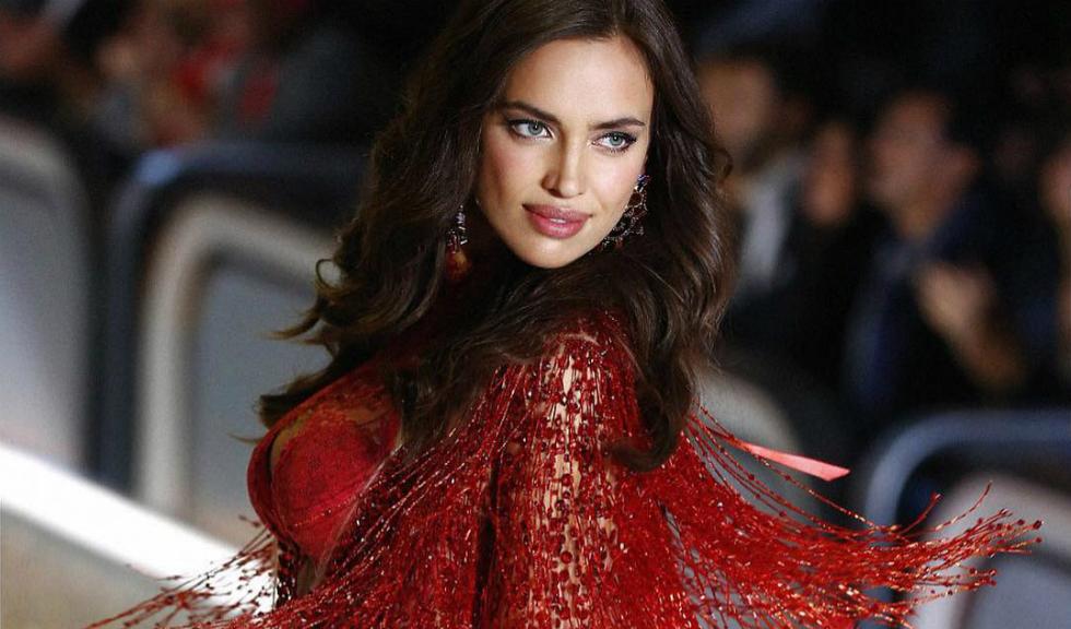 Irina Shayk ne surprinde din nou cu trupul sau perfect