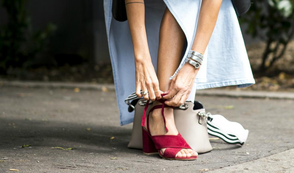 Greseli pe care le facem atunci cand ne alegem pantofii pe care ii purtam in timpul verii