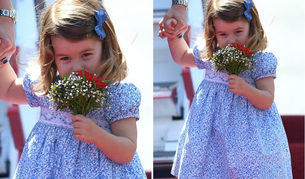 Printesa Charlotte a cucerit lumea intreaga cu prima sa reverenta