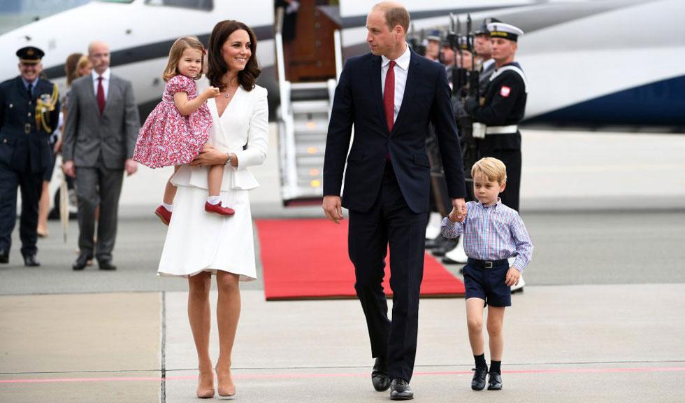 Ducele si Ducesa de Cambridge, in turneu in Polonia si Germania impreuna cu cei doi copii