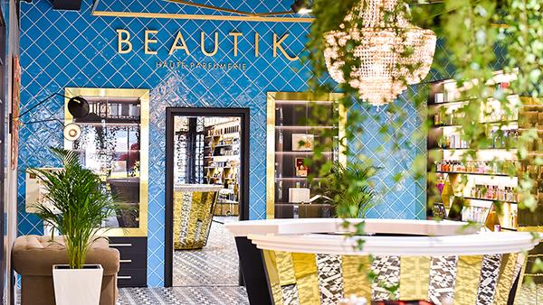 (P) O atmosfera unica in noul Concept Store BEAUTIK Haute Parfumerie