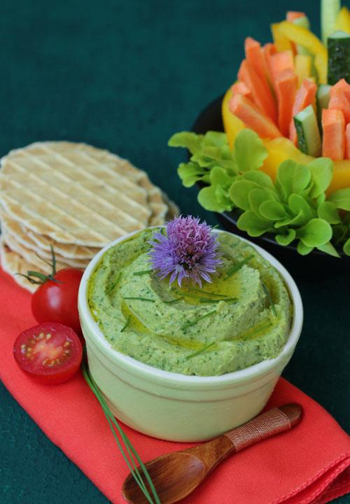 Esti o iubitoare de humus? Atunci trebuie sa incerci aceste 4 retete!