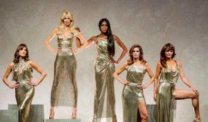 Supermodelele iconice ale anilor 90 se reunesc pentru un show legendar marca Versace