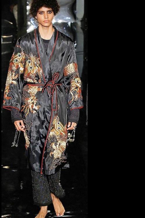 Cele mai frumoase propuneri de la London Fashion Week