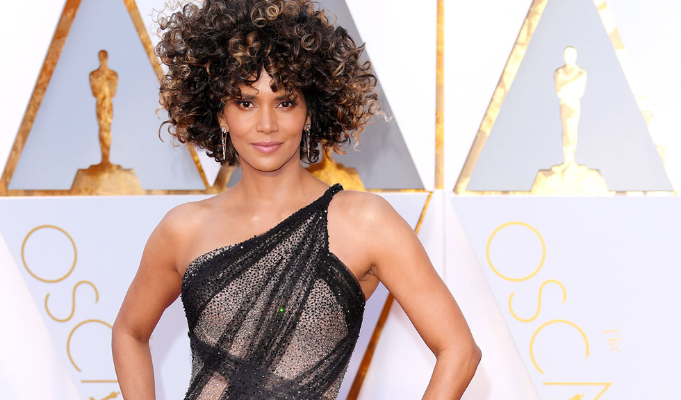 Halle Berry are un nou iubit