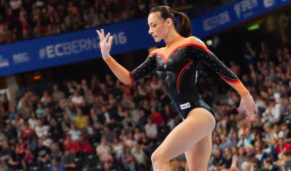 Performanta in gimnastica la Szombathely: Catalina Ponor, aur la barna! Marian Dragulescu, aur la sarituri!