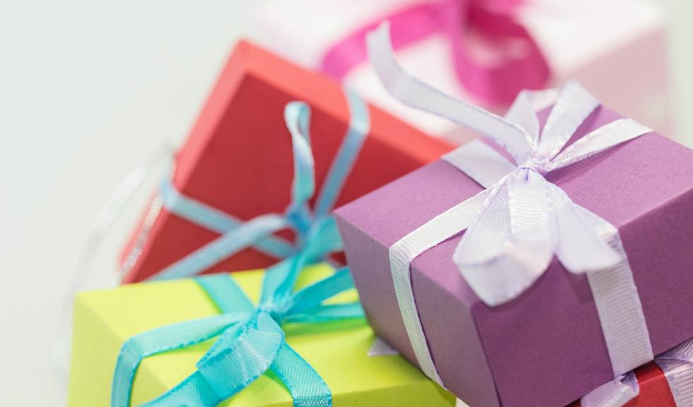 Idei de cadouri pentru vizite la persoane pe care abia le-ai cunoscut