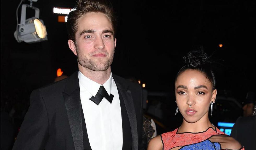 Robert Pattinson este din nou singur