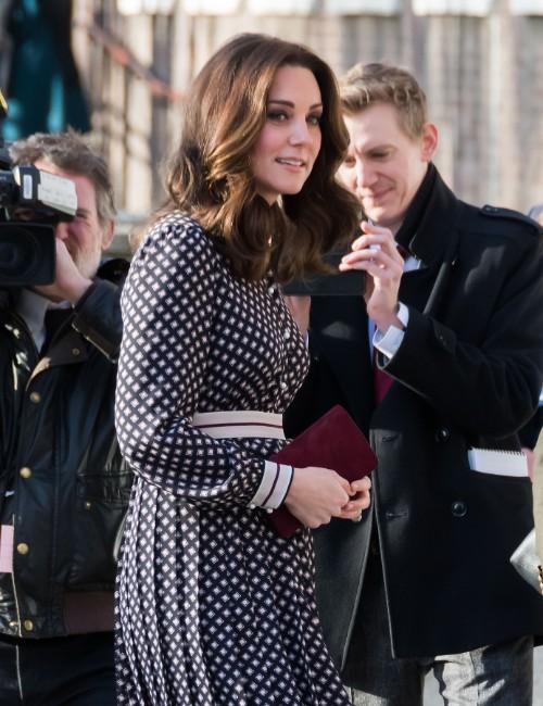 Kate Middleton și stilul său maternity: cele mai stylish ținute
