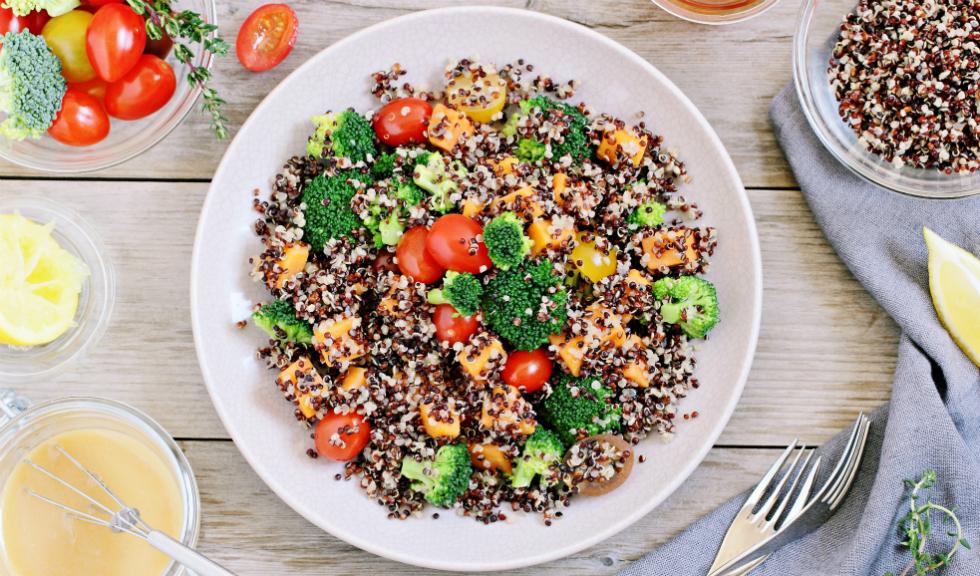 4 trucuri simple pentru a mânca mai sănătos în 2018