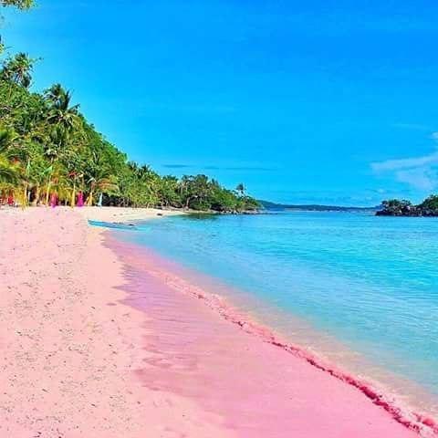 8 plaje cu nisip roz pe care trebuie musai să le vezi