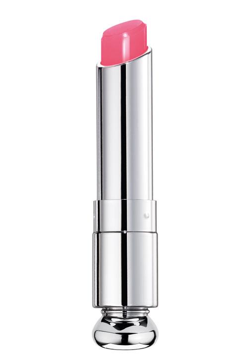 Pretty in pink! Produsele de beauty de care ai nevoie pentru un look cool și în tendințe
