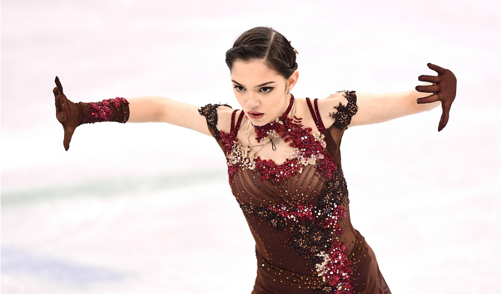 Cine este Evgenia Medvedeva, patinatoarea din Rusia care a fascinat la Jocurile Olimpice de Iarnă