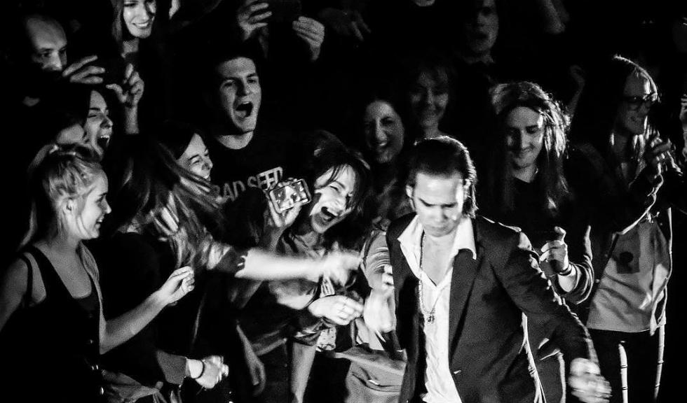 Nick Cave & The Bad Seeds și Arcade Fire vor cânta în premieră în România