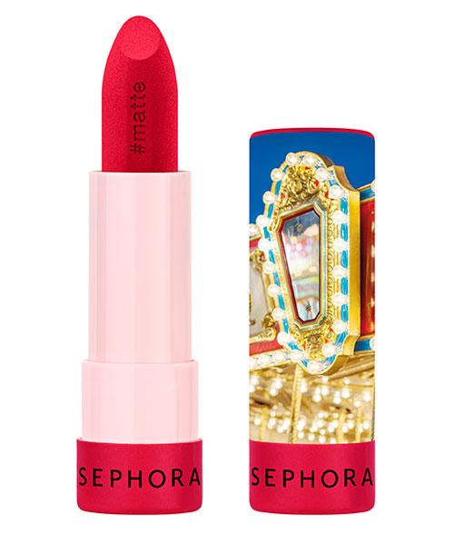 Rujul roșu: texturile sezonului, ideale pentru un look glam, sexy și seducător