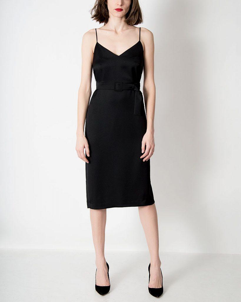 rochie neagra furou