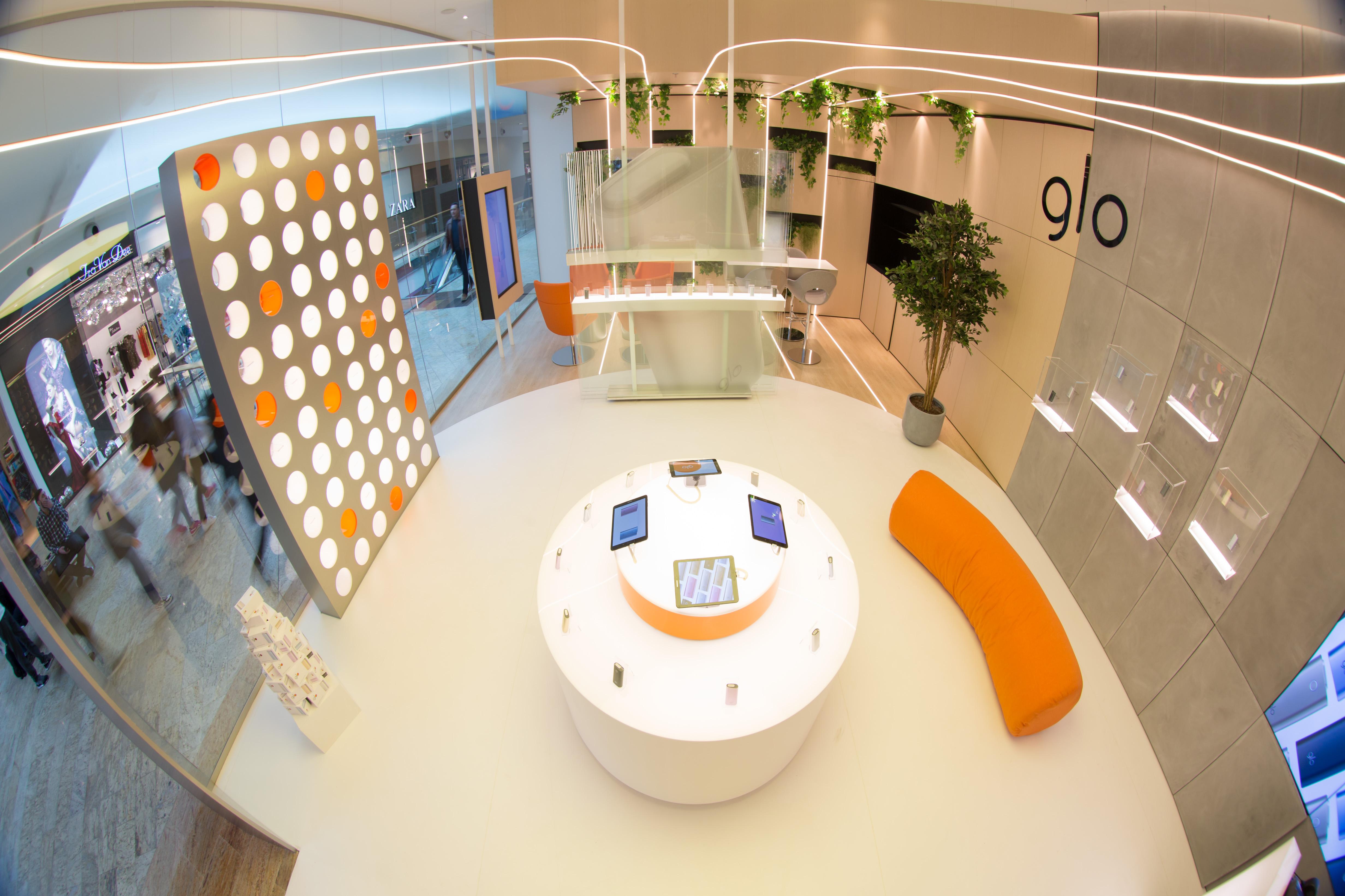 (P) S-a deschis primul magazin glo™ din România!