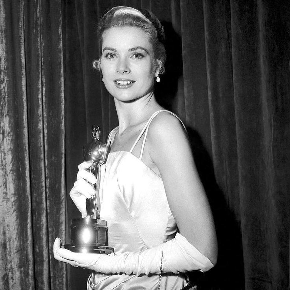 15 vedete despre care probabil nu știai că au câștigat un Oscar