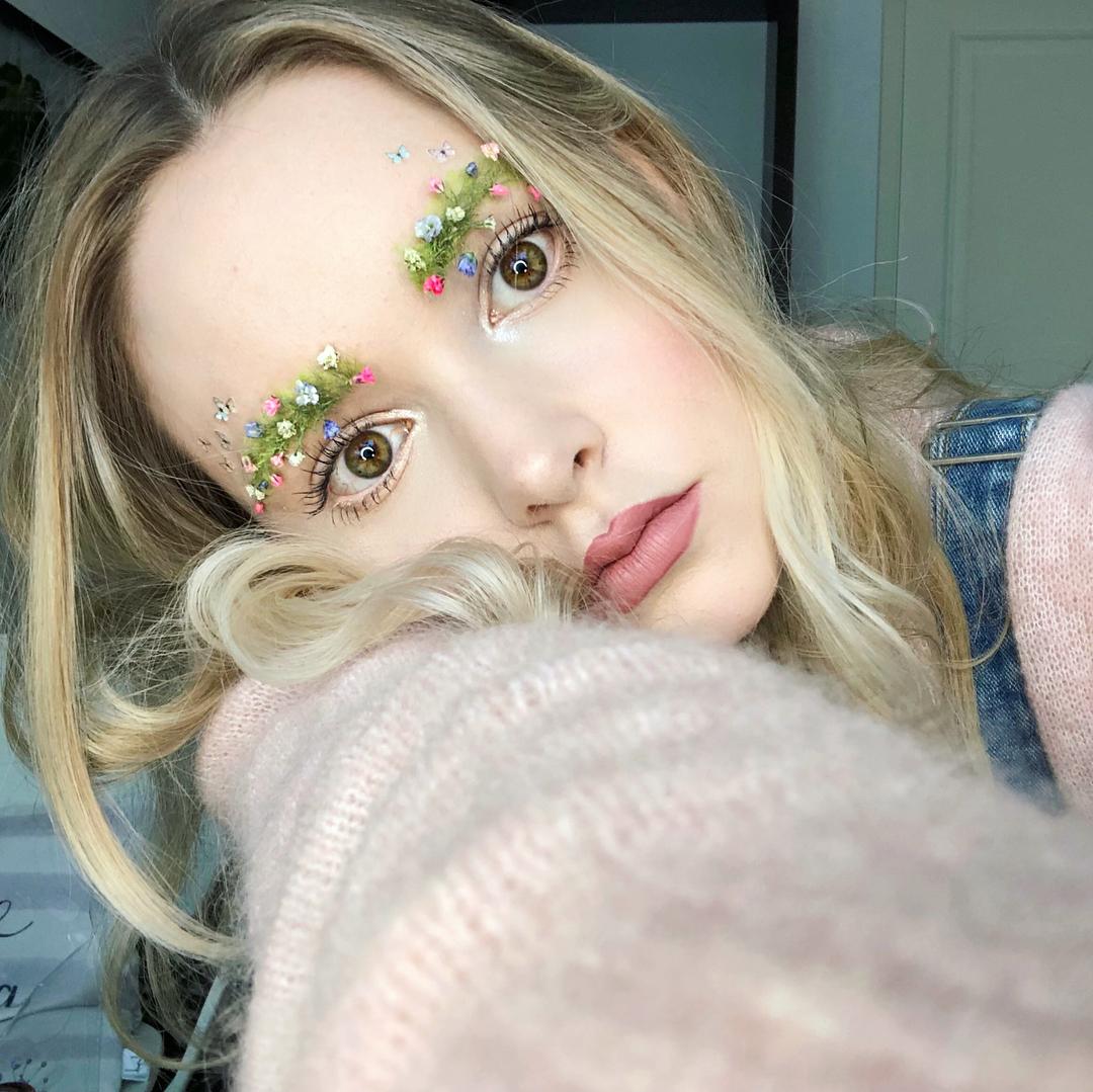 Noul trend în aranjarea sprâncenelor: garden eyebrows (GALERIE FOTO)