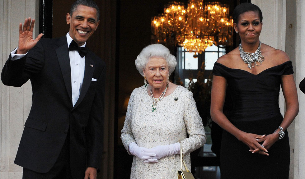 Aparent, Michelle Obama s-a distrat cu Regina Elisabeta a II-a, pentru că asta fac prietenele foarte apropiate