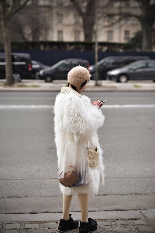 Moda străzii de la Paris Fashion Week