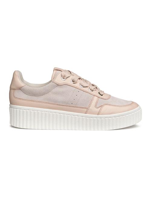 Pantofi sport: 15 modele sub 200 de lei, perfecte pentru primăvară