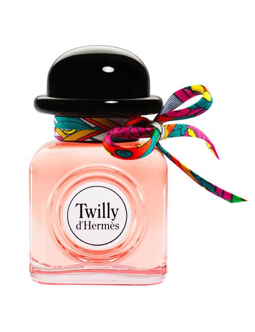 10 parfumuri florale, perfecte pentru a fi purtate în această primăvară