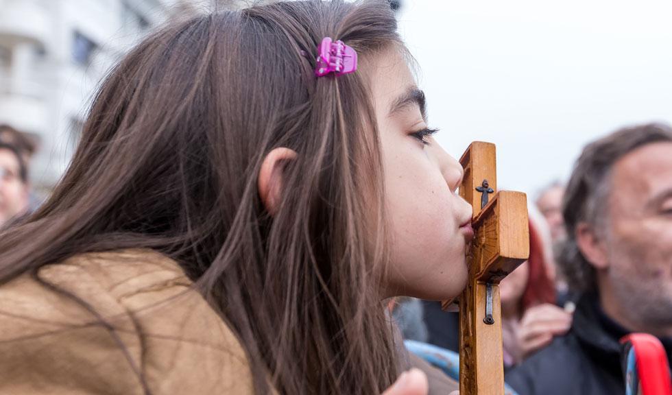 Despre mintea goală a adulților și stomacul gol al copiilor