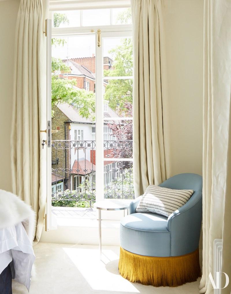 Cum arată spectaculoasa casă a modelului Cara Delevingne