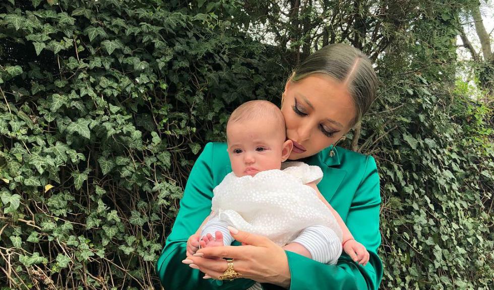 Ce ținută a ales Delia pentru petrecerea de botez a nepoatei sale