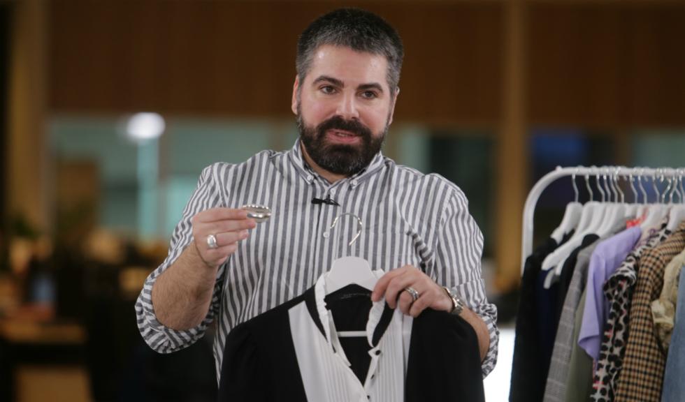Q&A cu Maurice Munteanu – Episodul #28 – Cum accesorizezi o rochie mini neagră (VIDEO)