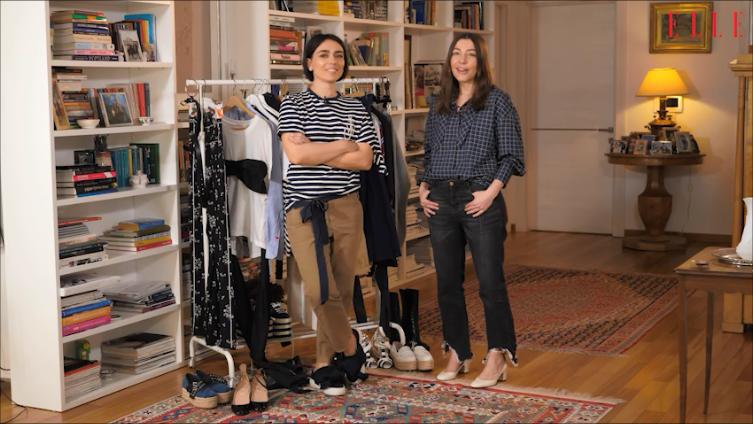 #ELLETeam: Cum să porți tricoul alb cu fundă în 2 stiluri diferite, cu Domnica Mărgescu și Cristina Crăciun (VIDEO)