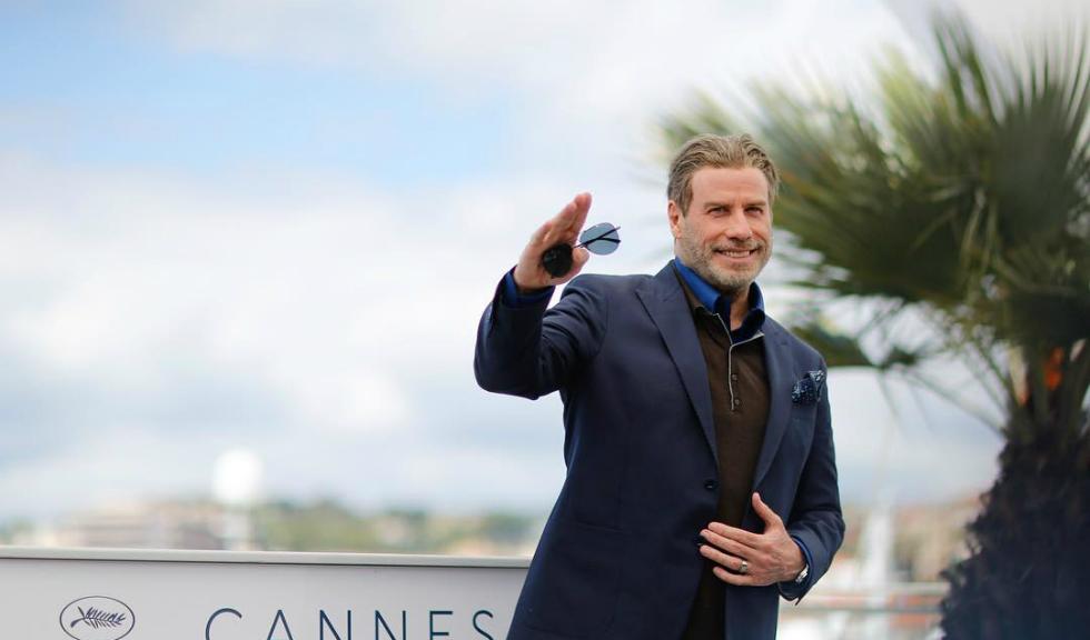 John Travolta a avut un partener de dans mai neobișnuit la Cannes…