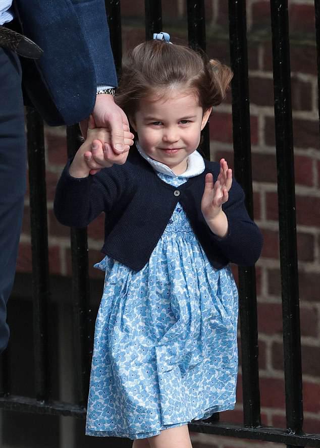 Prințesa Charlotte a Marii Britanii împlinește 3 ani – vezi cele mai adorabile poze cu mica prințesă