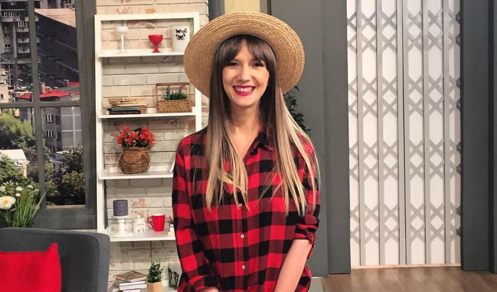 Adela Popescu este din nou însărcinată