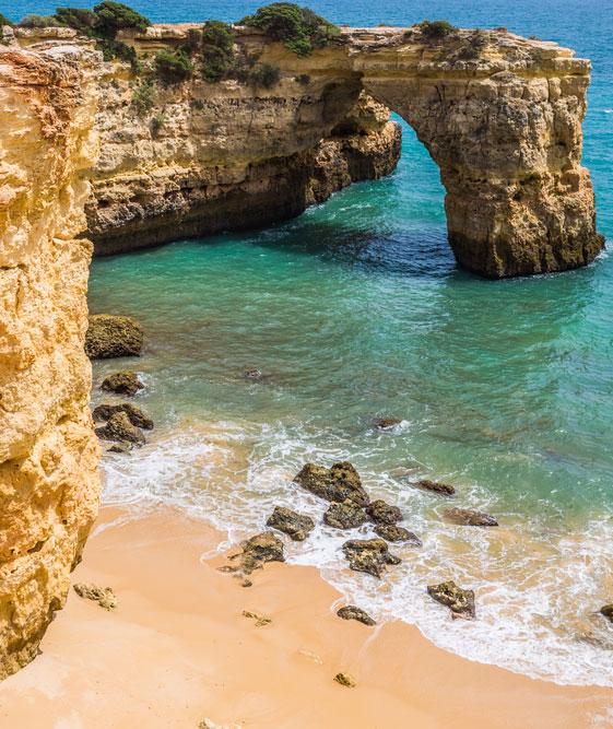 16 plaje din Europa care îți vor tăia răsuflarea și unde trebuie neapărat să ajungi