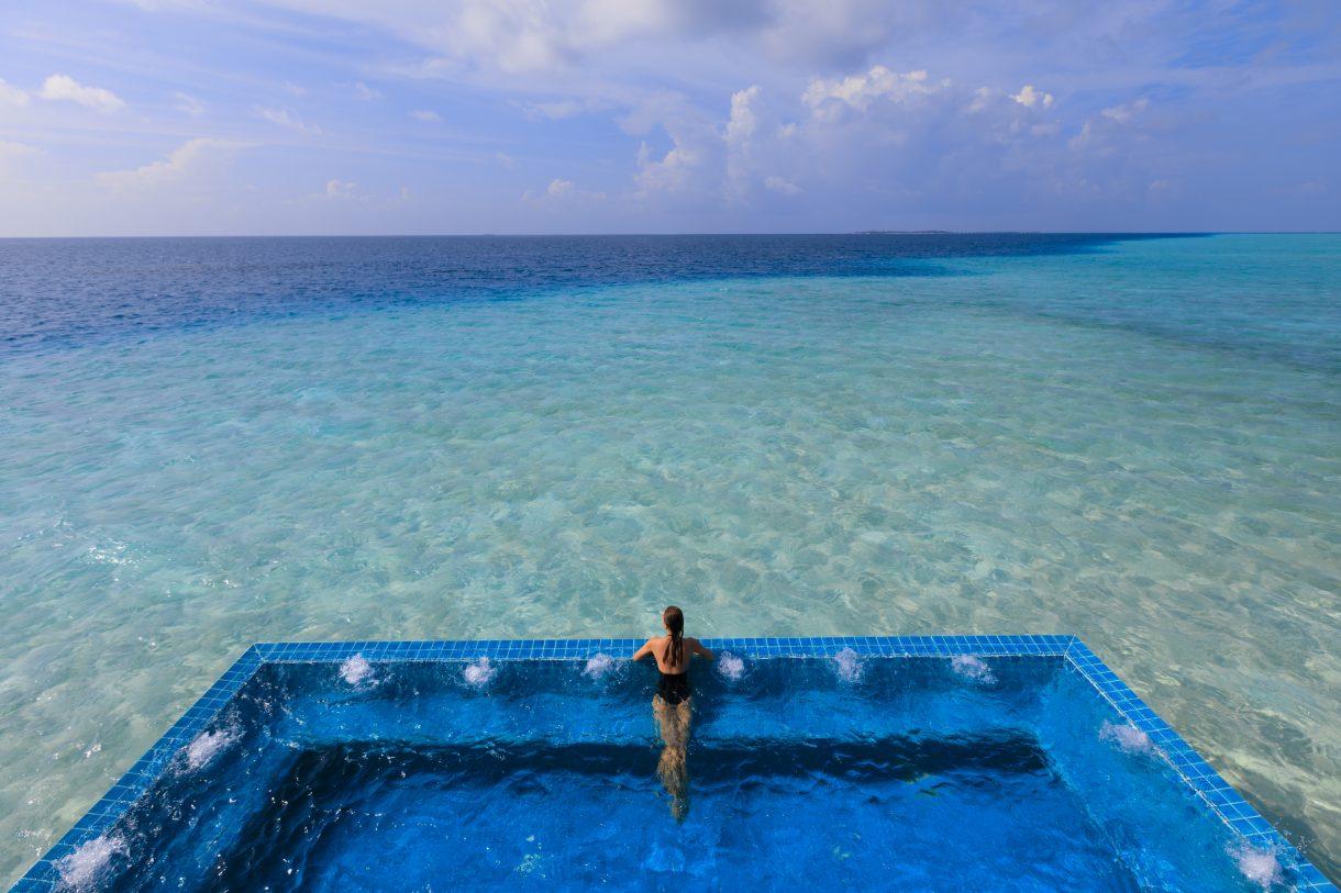 10 dintre cele mai spectaculoase piscine din lume
