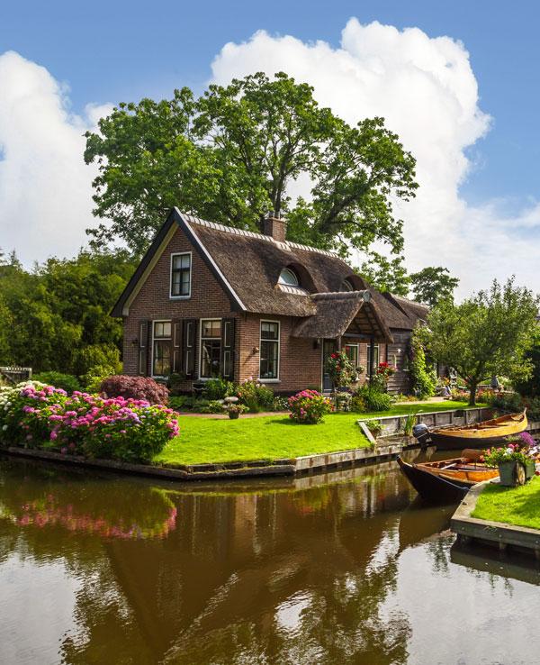 7 oraşe plutitoare pe care merită să le vizitezi!