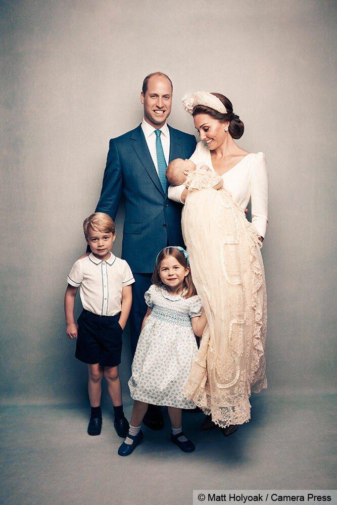 Portretele oficiale de la botezul Prințului Louis au fost făcute publice!
