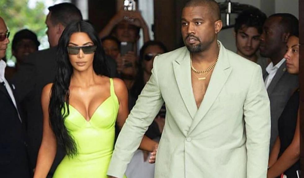 Kanye West a purtat cea mai neobișnuită încălțăminte pentru o nuntă