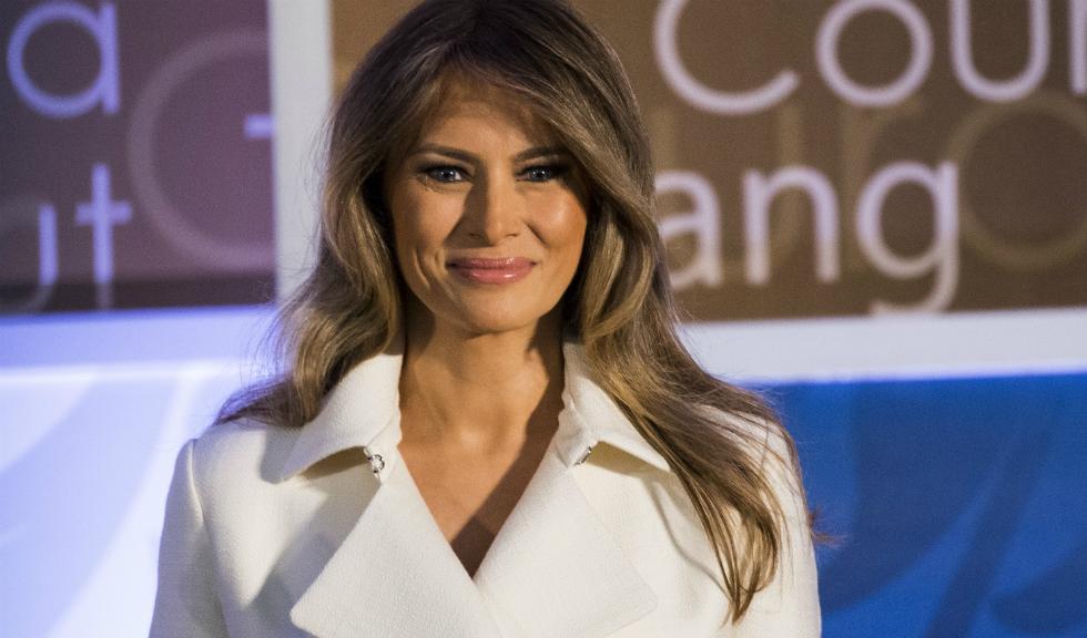 Metoda fashion a Melaniei Trump pentru plantat copaci