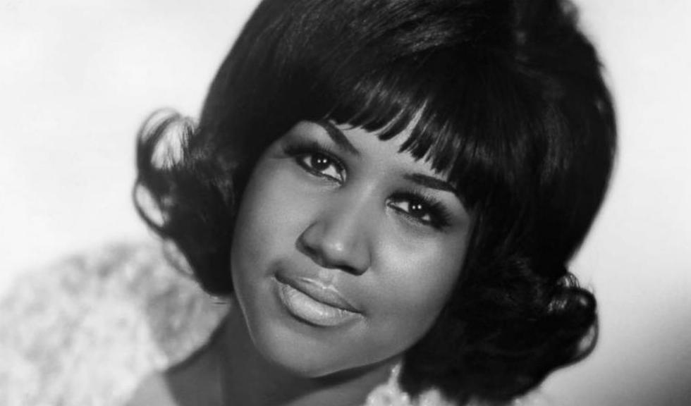 Motivul pentru care Aretha Franklin își lua mereu geanta pe scenă