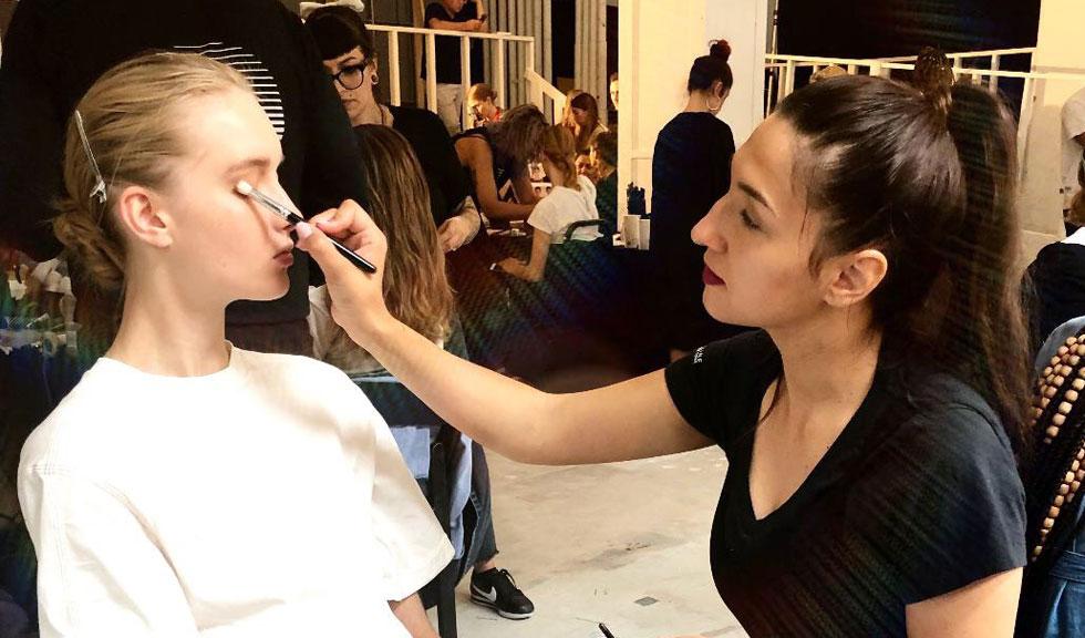 De vorbă cu Ioana Stratulat, make-up artist oficial Maybelline NY despre tendințele în machiaj și New York Fashion Week