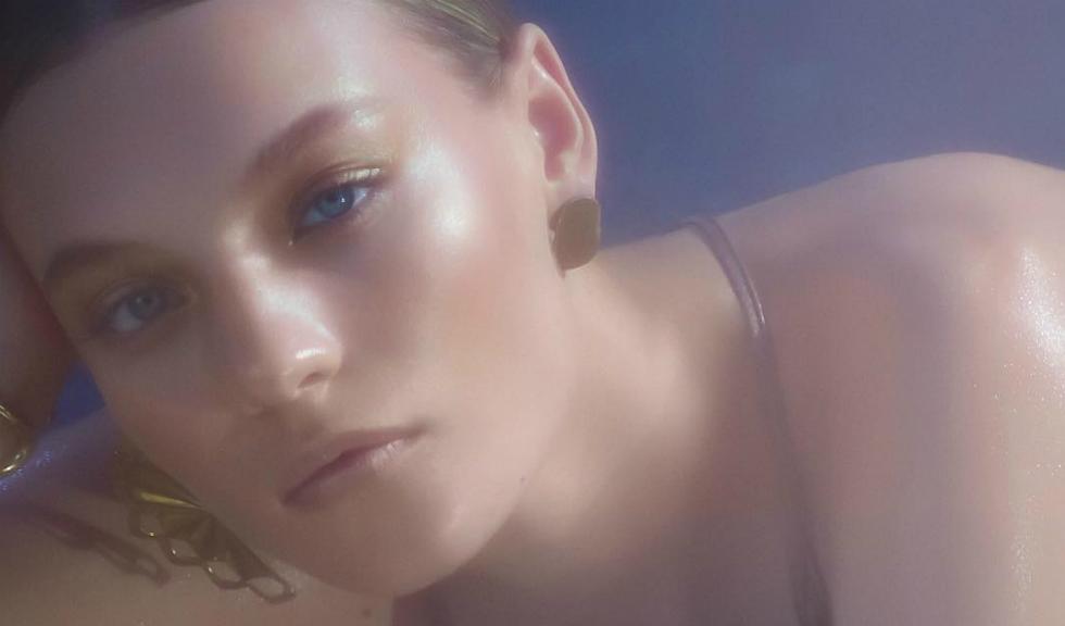 M.A.C. ne arată că…ȘOC: și femeile au păr facial, iar Instagramul o ia razna!